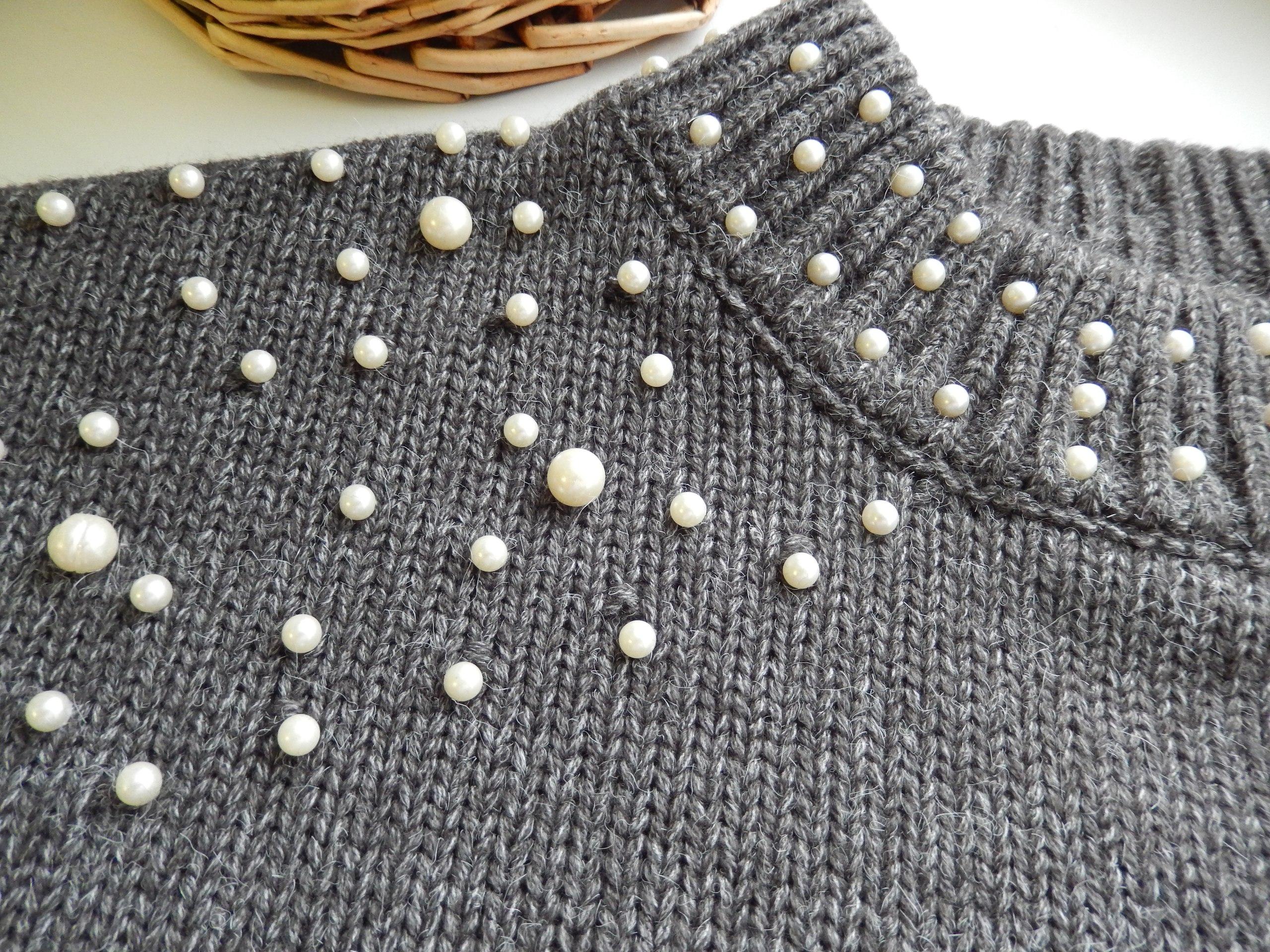 Популярный свитер с жемчужинами теперь и у меня