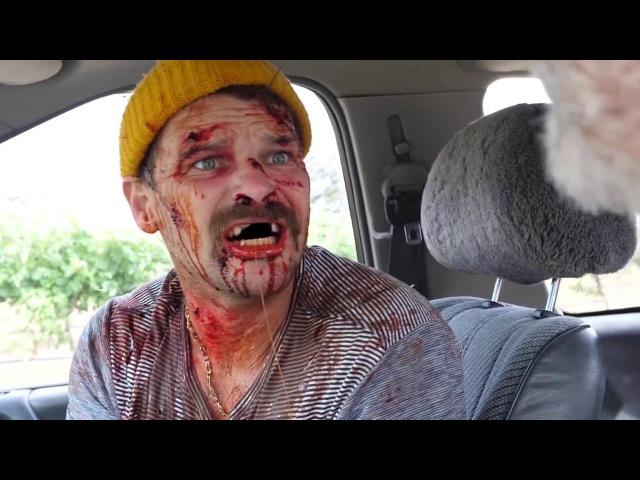Helping a Serial Killer (Wolf Creek) | Помогли Серийному Убийце (Волчья Яма) [Русская озвучка]