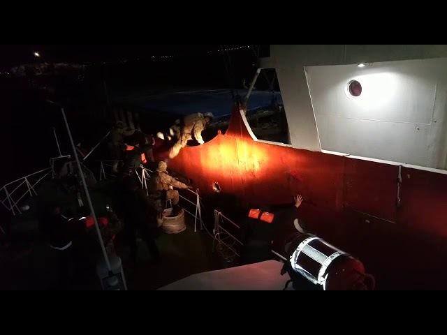 У Чорному морі затримано іноземне судно із майже 1740 ящиками сигарет