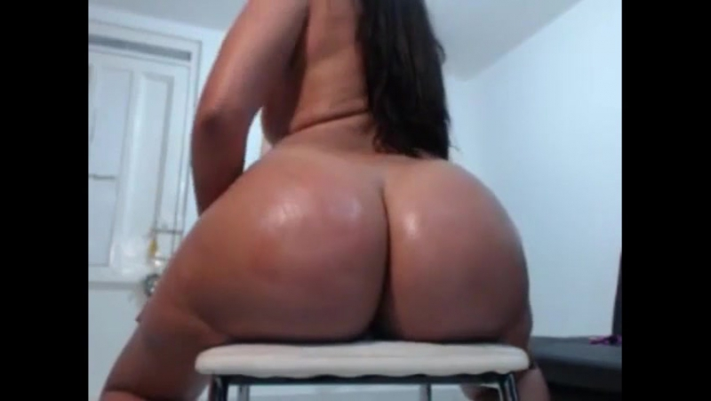 Big Booty Latina Riding Dildo