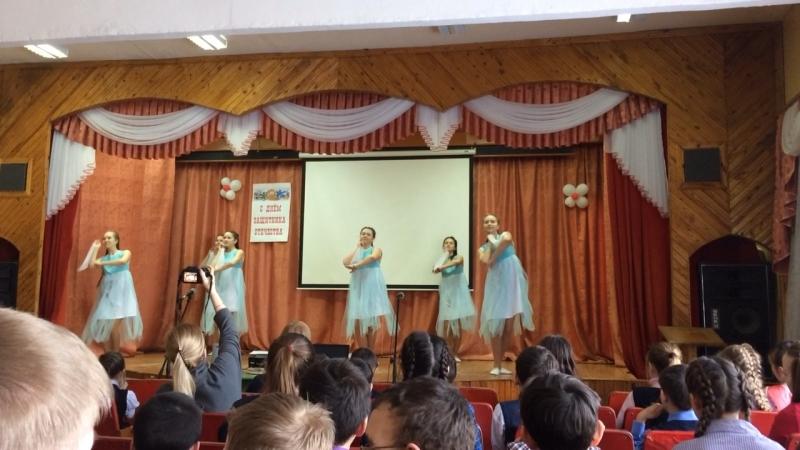 Танцевальная группа Гармония Танец Подружки Руководитель Шабдарова Т Э