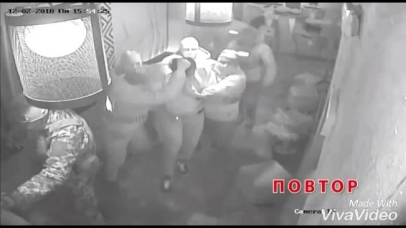 Михаила Саакашвили вытащили из ресторана с помощью спецназа и депортировали изУкраины вПольшу
