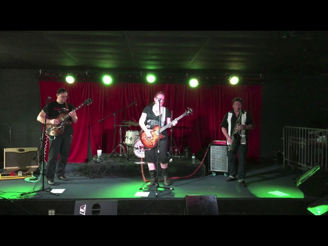 Kitty Rose The Rattlers - Drop Dead Gorgeous