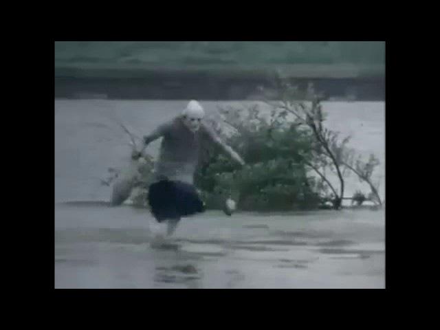 RUN бабка бежит по воде