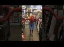Человек паук танцует в магазине ПОЛНАЯ ВЕРСИЯ
