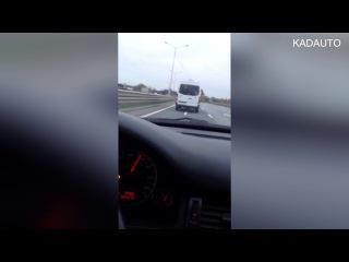 Маршрутка въезжает в Калининград на скорости 140 км\ч