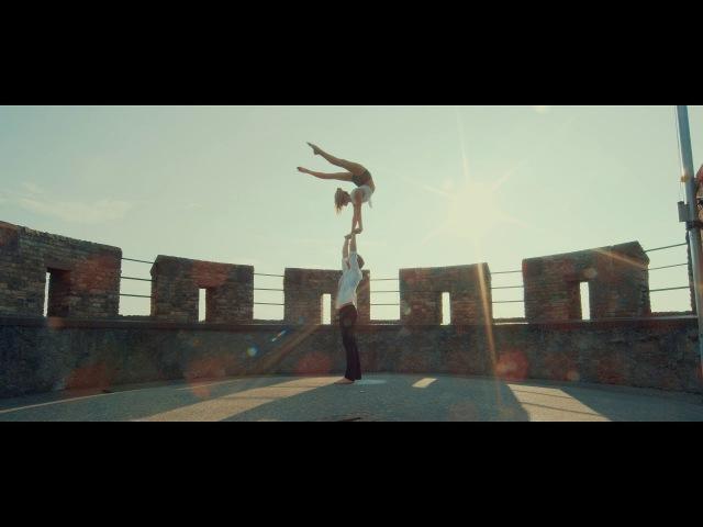 Duo POWER! Acrobatic Dance (Foxos - Heartbeats)