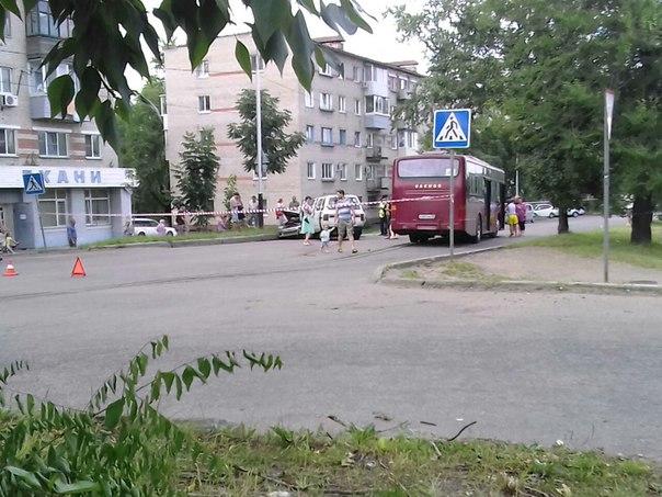 Cтрашная авария на остановке Ветеран в Хабаровске
