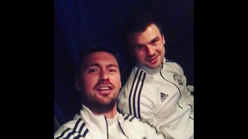 Не пугайся не пугайся детка Артём Милевский и Максим Витус поют после победы в Суперкубке