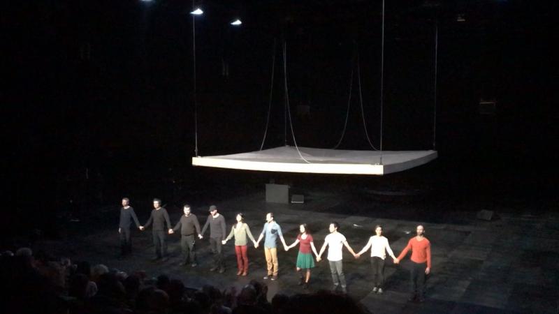 """Maillon Teatre """" Celui qui tombs """" de Ioann Bourgeois"""