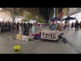 Шикарный индастриал на пластиковых трубах и ведрах