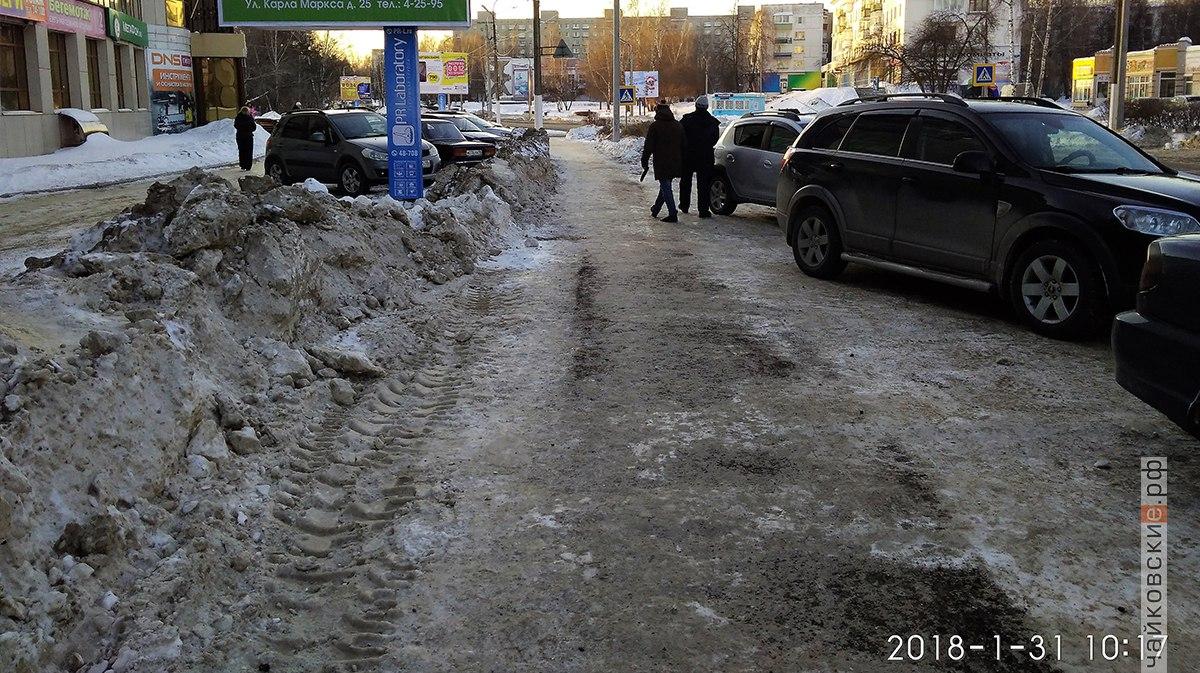 очистка от снега, строительство, Чайковский, 2018 год