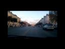 В Рязани двое пешеходов чуть не попали под колеса перебегая через двойную сплошную Запись с авторегистратора прислал Максим Мо