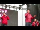 East 17 - Stay Another Day (We love the 90's - Helsinki 2017) - YouTube