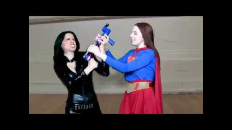 Ryona Superheroine Wonder Woman vs Supergirl Shrink Fight