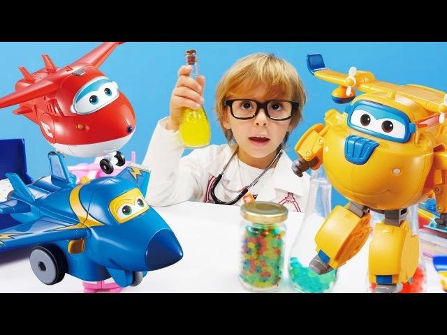 Doktor Daniel Dizzyi iyileştiriyor. Harika kanatlar oyuncakları