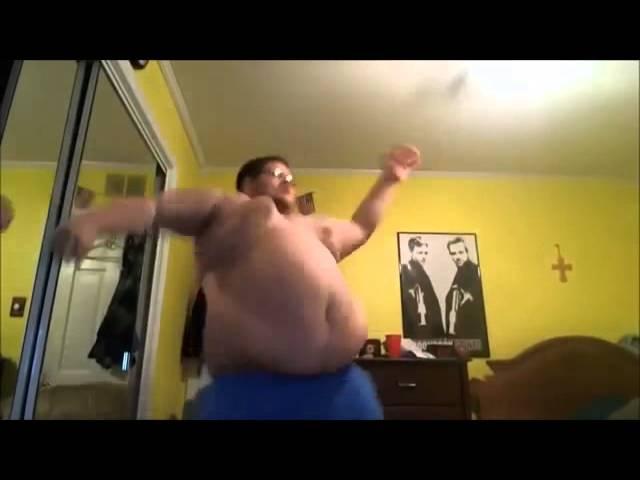 Толстяк танцует Harlem shake
