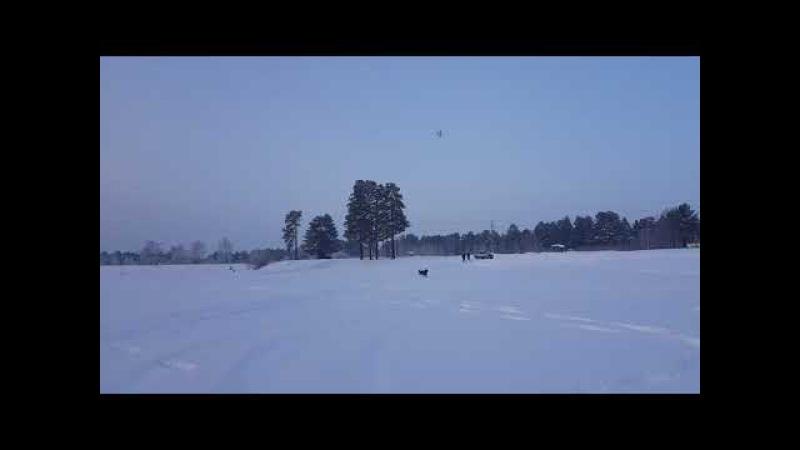 Босс побежал за ру самолетом)