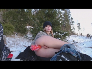Winter masturbation of the blonde