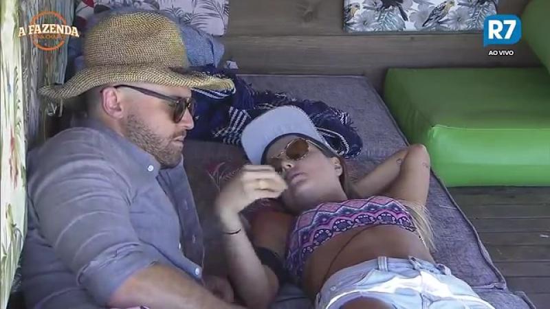 Flávia se irrita com comentário de Marcelo, chora e casal tem longa DR em seu último dia na Fazenda