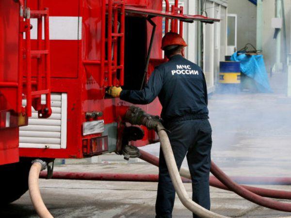 В Таганроге произошел пожар в цеху по производству пленки