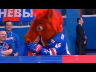 Конь-Огонь ест Гуся. МХЛ. 10.12.2017 г.
