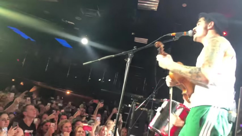 (1) The Hatters - «Фэйс ты п--орас», 13.12.2017 - YouTube