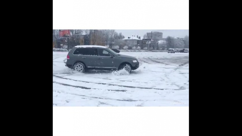 В тем временем наши клиенты и наши подписчики как дети радуются первому хорошему снегу который выпал в Киеве и других областях.