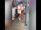 Бабушка отжигает в парке