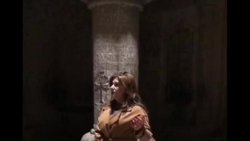Оперная певица Анна Симонян исполняет «Дле яман» в Гегарде