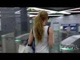 Подглядывание под юбку в метро