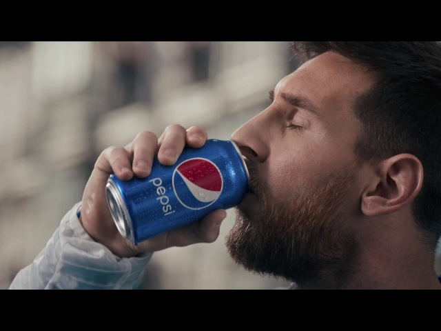 Pepsi LOVE IT. LIVE IT. | Messi, Marcelo, Kroos, Lloyd Dele paint the world blue LOVEITLIVEIT