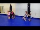 Удары коленями на мешке. Дети с 4 до 6 лет. Маленькие бойцы. Будущие чемпионы! СК Black Horse