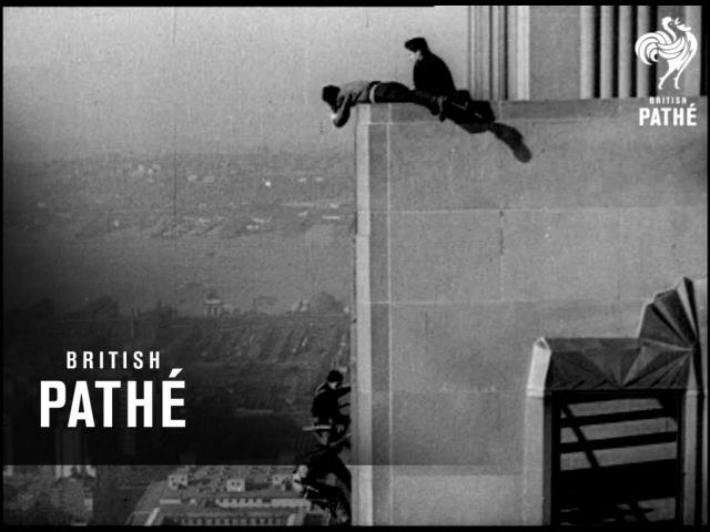 Мойщики окон на Эмпайр-стейт-билдинг - 1938 г. | Window Cleaners on The Empire State Building - 1938 | British Pathé