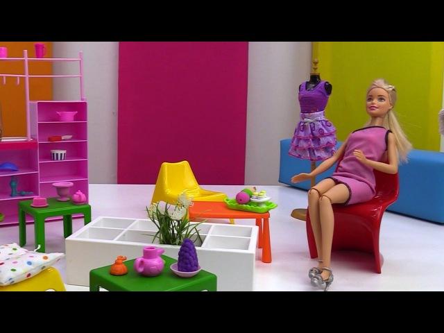Лучшие Подружки • 4989 Алина Вдовкина. Алина помогает Барби,которая переела мороженного.