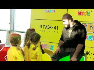 Малыши Алина, Ксюша и Лиза задают вопросы Вахтангу!