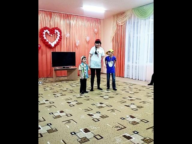 B_r_u_n_e_t_o_c_h_k_a video