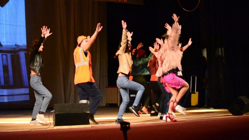 Массовый танец ПДиФК