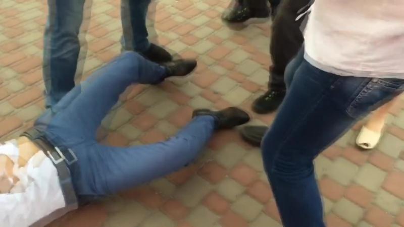 Этатист-государственник 5.10 выгребает от бойца Front National Жана-Мари Ле Пена!