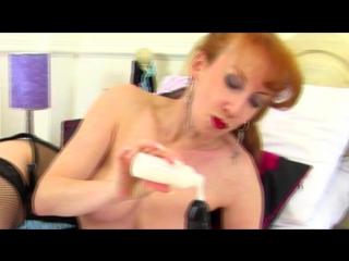 Тетка намазала дилдо оливковым майонезом. Порно ролик 18+ Секс Эротика Порнуха Ебля Сиськи Мастурбация Ебет Насилует Дрочит Пени