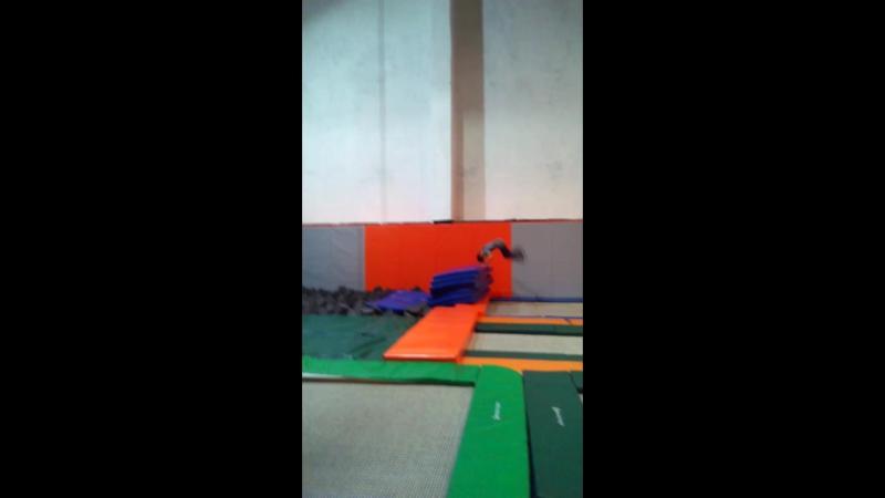 тренировкистренером Индивидуальныетренировки coach_khrapov прыжкинабатуте tambling trampoline hаndtohаnd equilibration