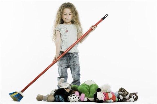 Самый легкий способ испортить ребенка - это дать ему больше, чем он см