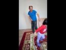 Папа с дочкой зажигают