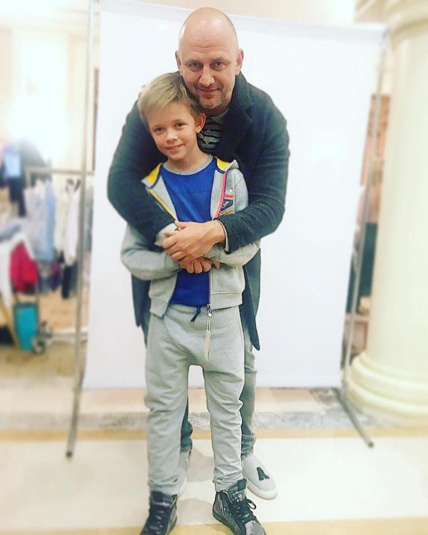 Сын Потапа совсем не похож на своего отца, убедись сам
