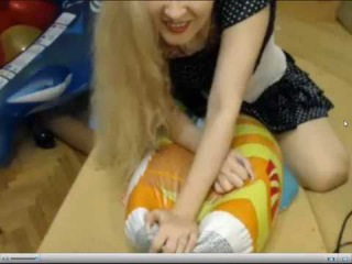 Birthday Balloon Party / Katya deflate pool toy