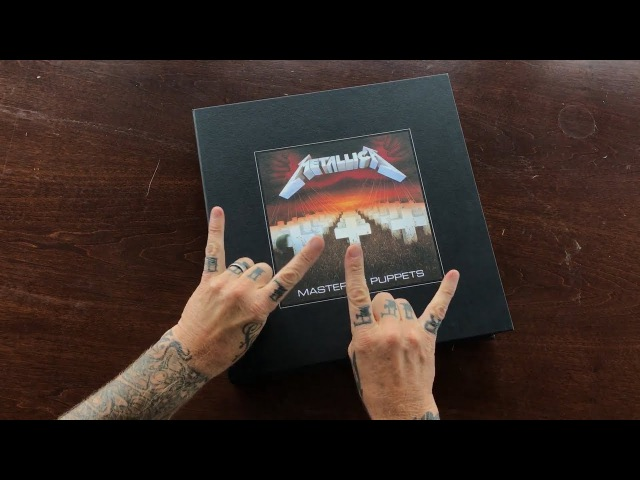 Metallica Master of Puppets (Deluxe Box Set) Unboxing Video