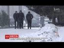 Сильні снігопади накрили ледь не всю Україну