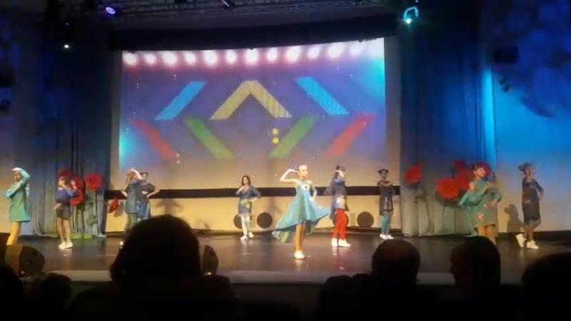 Театр моды МодиЮн Бахмутского центра детей и юношества на выступлении в Киеве.