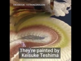 Японские художники используют эту удивительную технику для рисования красивых драконов одним мазком кисти.