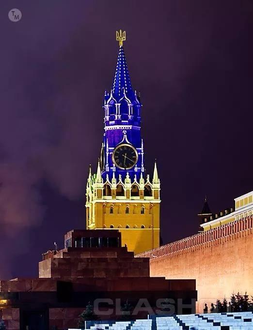 """Порошенко: """"Зрадофилам"""" хоть трезубец над Кремлем поставь – скажут, что криво"""